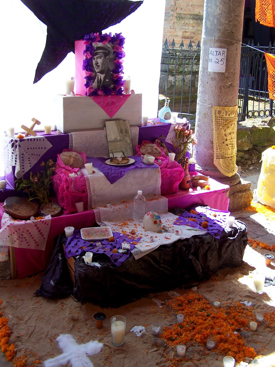 Symbolism in Día de Los Muertos Altars - Day of the Dead facts